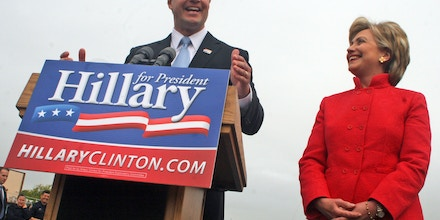 Maryland Gov. Martin O'Malley endorses Democratic New York Sen. Hillary Rodham Clinton's campaign for the 2008 presidency at City Dock in Annapolis, Md., Wednesday, May 9, 2007. (AP Photo/Kathleen Lange)