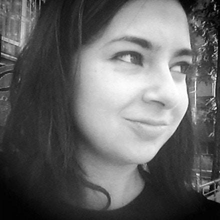 Anna Lekas Miller