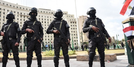 Members of the Egyptian police special forces stand guard on Cairo's landmark Tahrir Square on January 25, 2016, as the country marks the fifth anniversary of the 2011 uprising.Egyptians marked the fifth anniversary of the uprising that toppled Hosni Mubarak amid tight security and a warning from the new regime that demonstrations will not be tolerated. / AFP / MOHAMED EL-SHAHED (Photo credit should read MOHAMED EL-SHAHED/AFP/Getty Images)