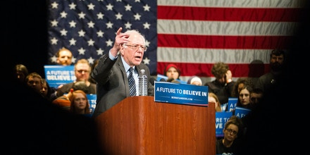 Democratic presidential candidate Bernie Sanders speaks during a rally in Dearborn, Michigan, March 7, 2016. / AFP / Geoff Robins        (Photo credit should read GEOFF ROBINS/AFP/Getty Images)