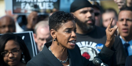 UPPER MARLBORO, MD- OCTOBER 16:Representative Donna Edwards (D-Md.) expresses her concern with several Safeway employees, elected officials, community and faith leaders rally against the announced closure of Safeway's two distribution centers located in Upper Marlboro and Landover. The rally took place just outside the Collington Distribution Center in Upper Marlboro, Maryland on October 16, 2015 (Photo by Marvin Joseph/The Washington Post via Getty Images)