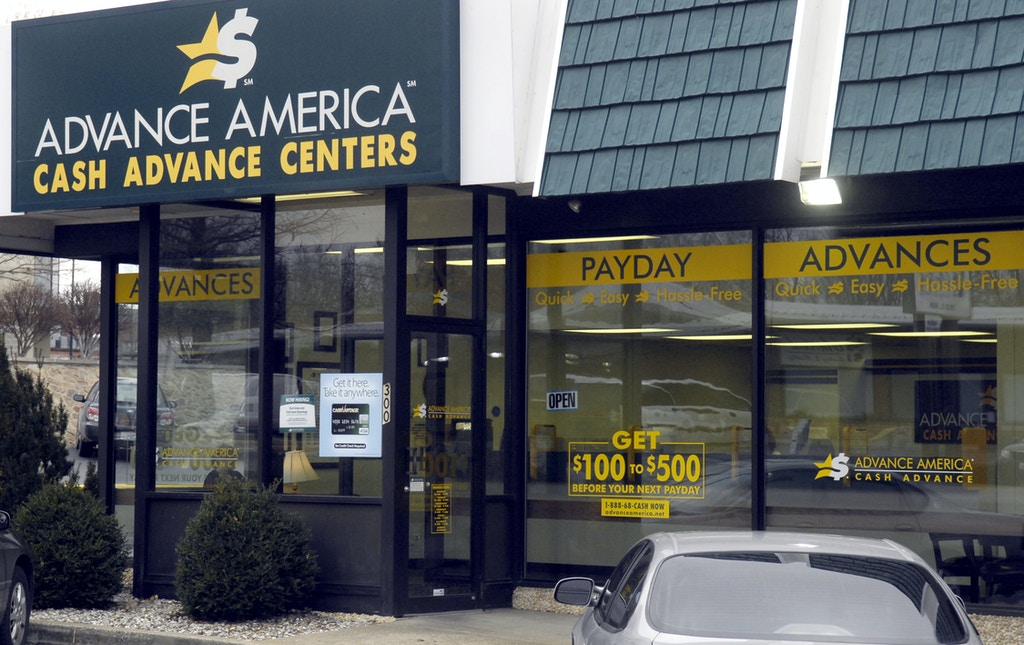 ** ADVANCE FOR WEEKEND APRIL 21_22 **  A Payday loan company is seen March 1, 2007, in Columbia, Mo. (AP Photo/Columbia Daily Tribune, Don Shrubshell)