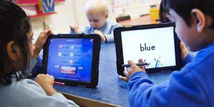 Nursery school pupils work with iPads on March 3, 2014 in Stockholm. AFP PHOTO/JONATHAN NACKSTRAND        (Photo credit should read JONATHAN NACKSTRAND/AFP/Getty Images)