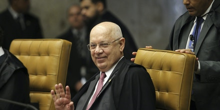 Brazilian Supreme Court minister Teori Zavascki is seen during a Court's session in Brasilia, center-western Brazil, on September 8, 2016. A plane carrying Zavascki, who is overseeing a massive corruption investigation, crashed into the sea neart the city of Paraty, in the Rio de Janeiro state, onThursday, on January 19, 2017. Photo: DIDA SAMPAIO/ESTADAO CONTEUDO (Agencia Estado via AP Images)