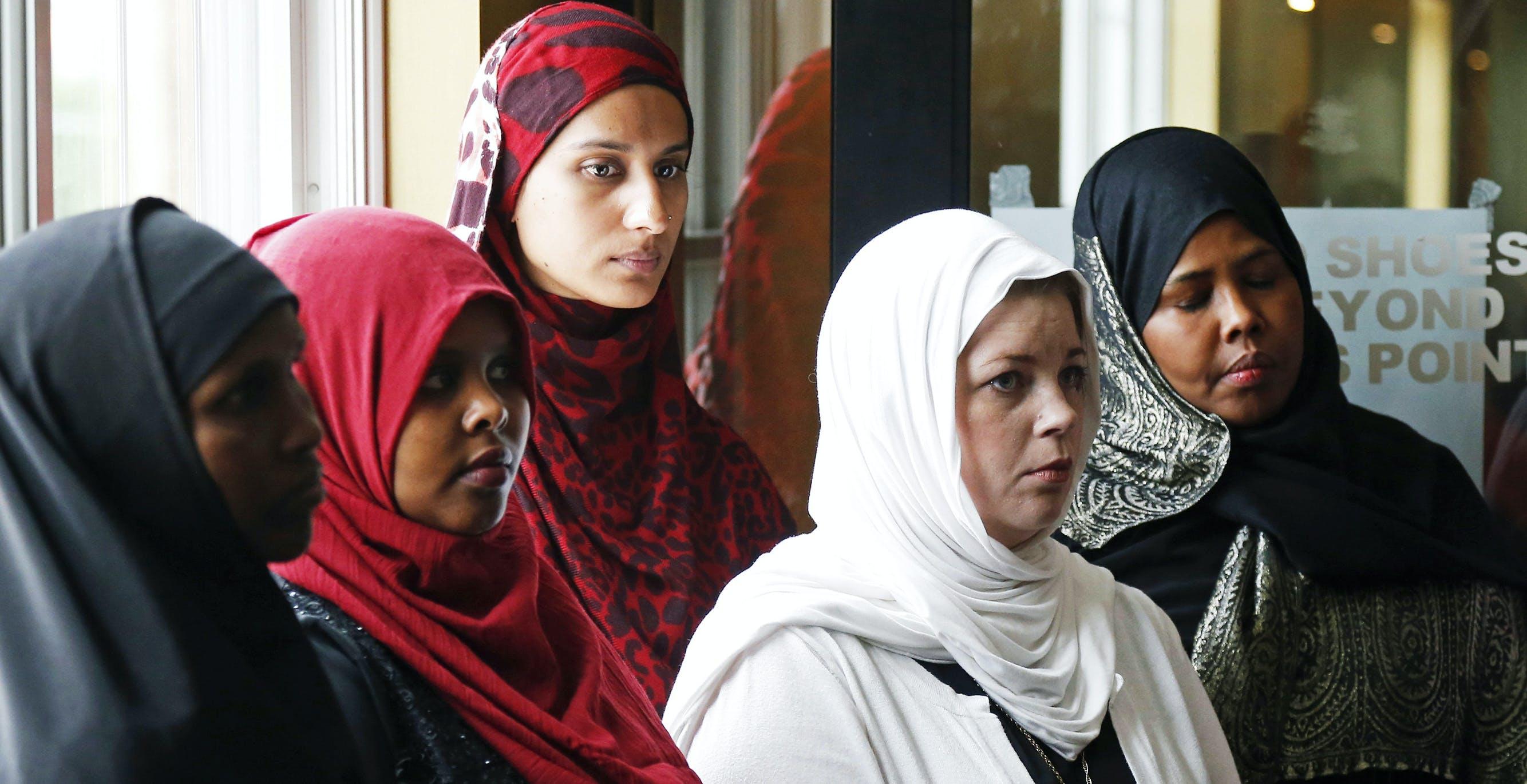 "Trump's Rhetoric on ""Radical Islam"" Undermines Counterextremism Programs in U.S."