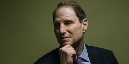 Sen. Ron Wyden (D-Ore.), who opposes giving the Justice Department more power to get consumer data from technology companies, in Washington, May 29, 2016. After Apple and the FBI made their battle over encryption public in February, some lawmakers promised new rules that would give the authorities more access to smartphones while others promised to fight off those laws. (Lexey Swall/The New York Times)