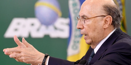 Brazilian Finance Minister Henrique Meirelles speaks during a ceremony to announce measures to make access to labour rights more flexible at Planalto Palace in Brasilia on February 14, 2017.The Government expects the injection of R$ 40 billion (around U$ 13 billion) in the economy with the access of workers to amounts retained in the guarantee fund. / AFP / EVARISTO SA (Photo credit should read EVARISTO SA/AFP/Getty Images)