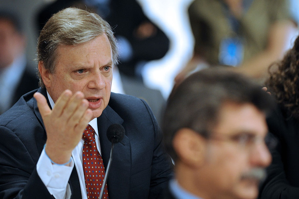 Brazilian senator Tasso Jereissati speaks during a Senate's Commission of Foreign Affairs session in Brasilia in October 29, 2009. Brazil's Senate will vote today  whether to accept or not Venezuela's entrance into the Mercosur trade block, while the country's Lower Chamber already approved it, along with the Argentine and the Uruguayan Congresses. The initiative is yet to be voted by the Paraguayan Congress. AFP PHOTO/Evaristo SA (Photo credit should read EVARISTO SA/AFP/Getty Images)