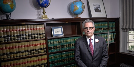 Philadelphia District Attorney candidate Lawrence Krasner at his law office in Philadelphia, PA, Thursday, May 11, 2017.Charles Mostoller for the Intercept