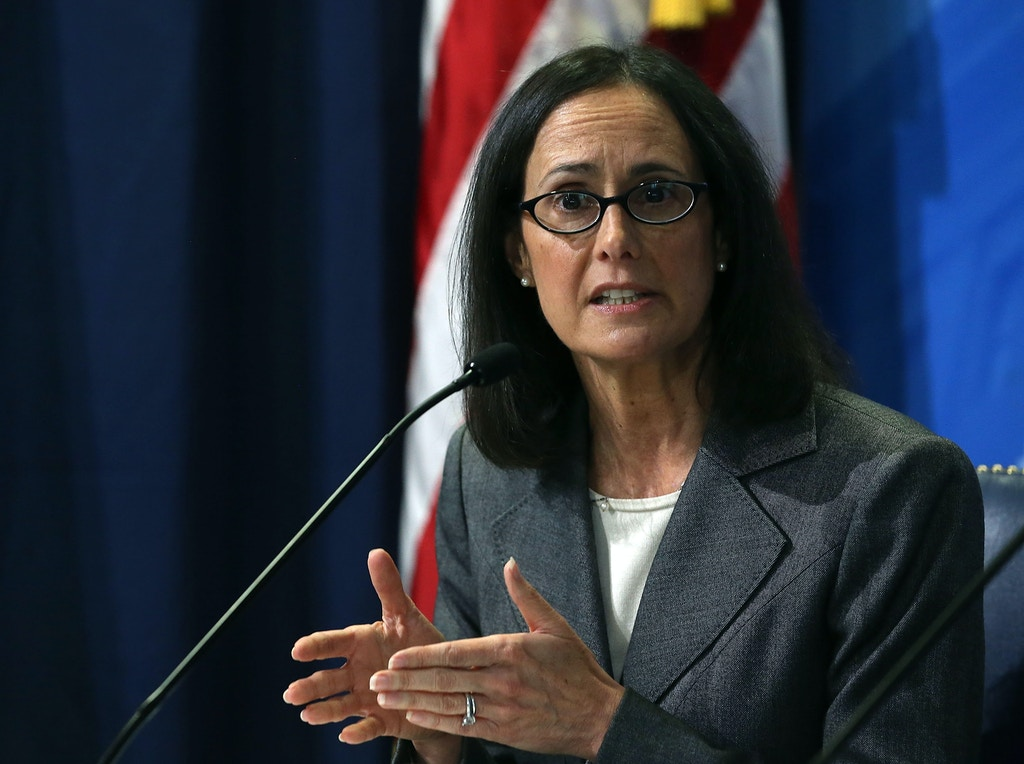 WASHINGTON, DC - NOVEMBER 04:  Illinois Attorney General, Lisa Madigan speaks about a crackdown on deceptive and abusive debt collection practices during a news conference at the FTC headquarters November 4, 2015 in Washington, DC. The FTC announced a nationwide coordinated federal and state enforcement initiative targeting deceptive and abusive debt collection practices.  (Photo by Mark Wilson/Getty Images)