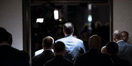 Former FBI director James Comey walks to a closed-door hearing before the Senate Select Committee on Intelligence on Capitol Hill June 8, 2017 in Washington, DC. / AFP PHOTO / Brendan Smialowski        (Photo credit should read BRENDAN SMIALOWSKI/AFP/Getty Images)