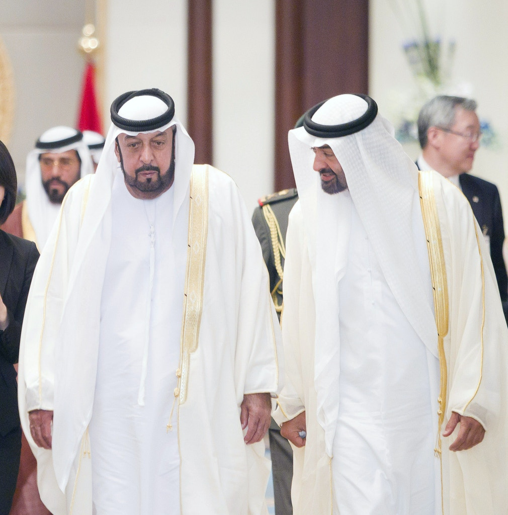 In this photo made available by Emirates News Agency, WAM, Monday March 14, 2011, South Korean President Lee Myung Bak, left, meets UAE president Sheik Khalifa bin Zayed Al-Nahyan, 2nd right, and UAE Crown Prince Sheik Mohammed bin Zayed Al-Nahyan in Abu Dhabi, UAE, Sunday March 13, 2011. (AP Photo/WAM-HO)
