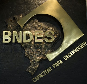 Logo of the Brazilian Development Bank (BNDES), in Rio de Janeiro on May 03, 2012.   AFP PHOTO / Christophe SIMON        (Photo credit should read CHRISTOPHE SIMON/AFP/GettyImages)