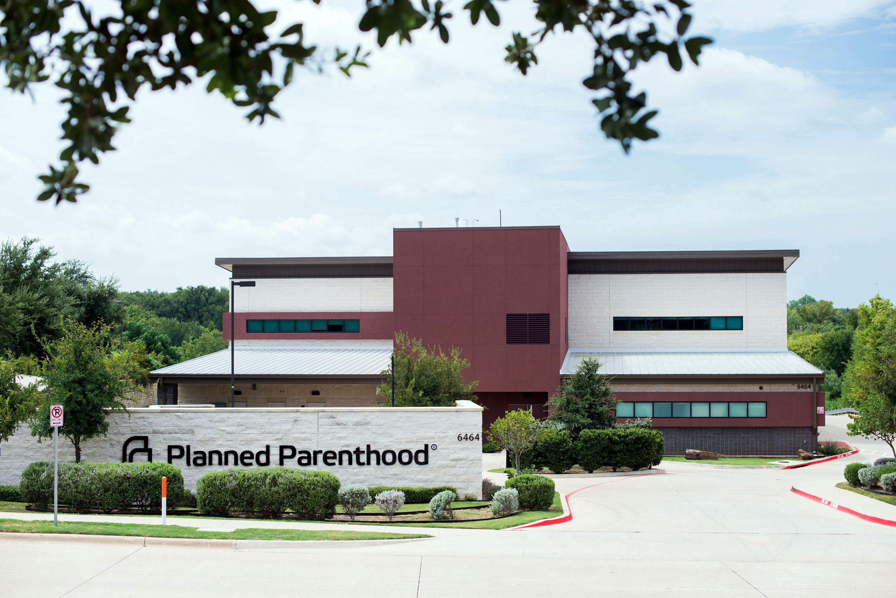 FORT WORTH, TEXAS - AUGUST 17: Exterior of the Planned Parenthood facility in Fort Worth, TX, on Thursday, August 17, 2017.Aubrey Reinhardt was a 20-year-old senior at Texas Tech University in Lubbock, TX, she sought birth control from the university clinic and says she found herself facing the ideological leanings of a clinic physician whom hesitated to prescribe the medication. As a result, Reinhardt visited one of the nearest Planned Parenthood facilities which was located four hours east in Fort Worth, TX.
