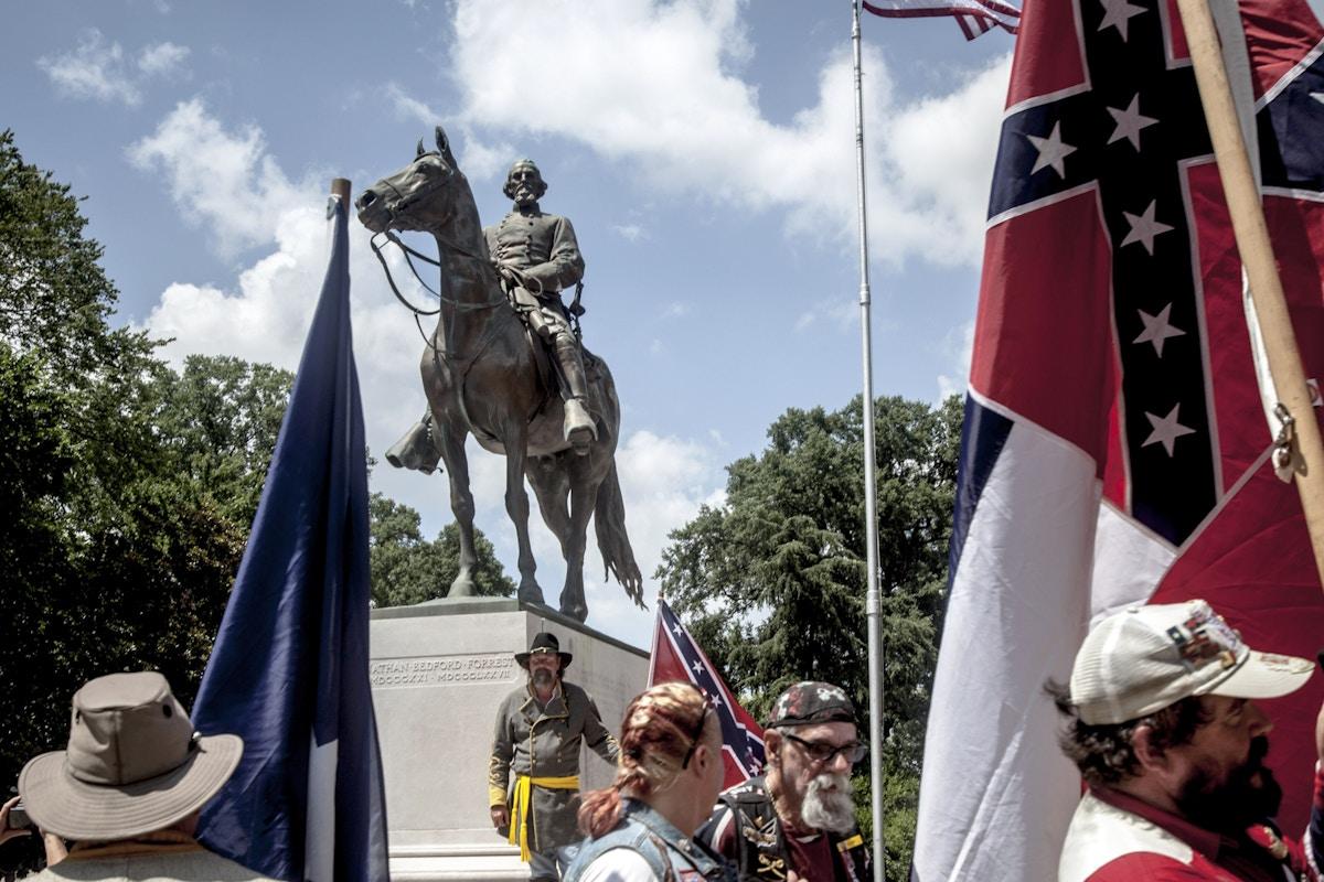 Memphis Fights to Remove Statue of Confederate War Criminal