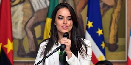 Deputada Shéridan (PSDB-RR) discursa na Conferência da Rede de Mulheres Parlamentares, em 3/4/2017.