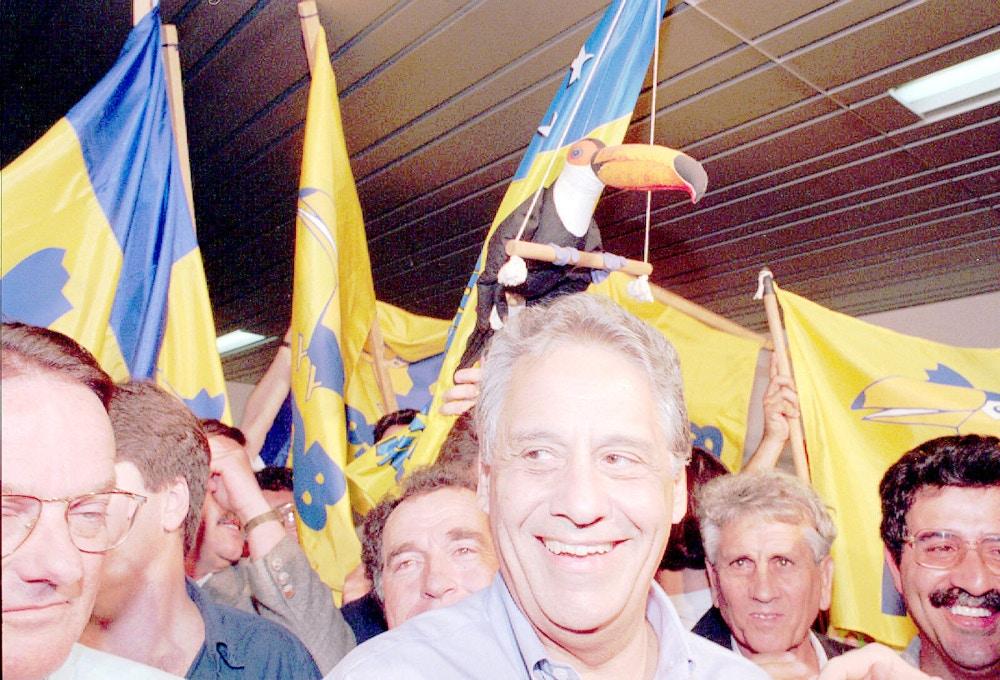 Eleição presidencial: Fernando Henrique Cardoso [PSDB-PFL] durante campanha em Florianópolis. [FSP-Brasil-Supereleição-27.08.94]*** NÃO UTILIZAR SEM ANTES CHECAR CRÉDITO E LEGENDA*** (Crédito: Ormuzd Alves/Folhapress)