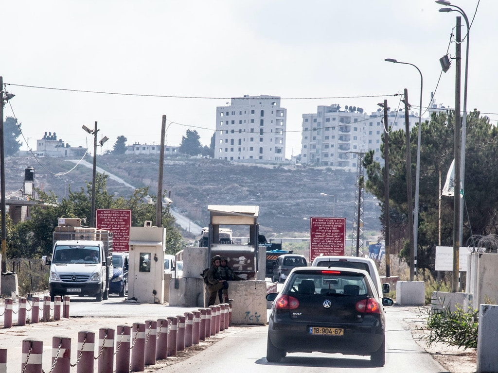 Bet-El-Checkpoint-Entering-Ramallah-2-07SEP2016_DCIP_Cody-ORourke-1507320769