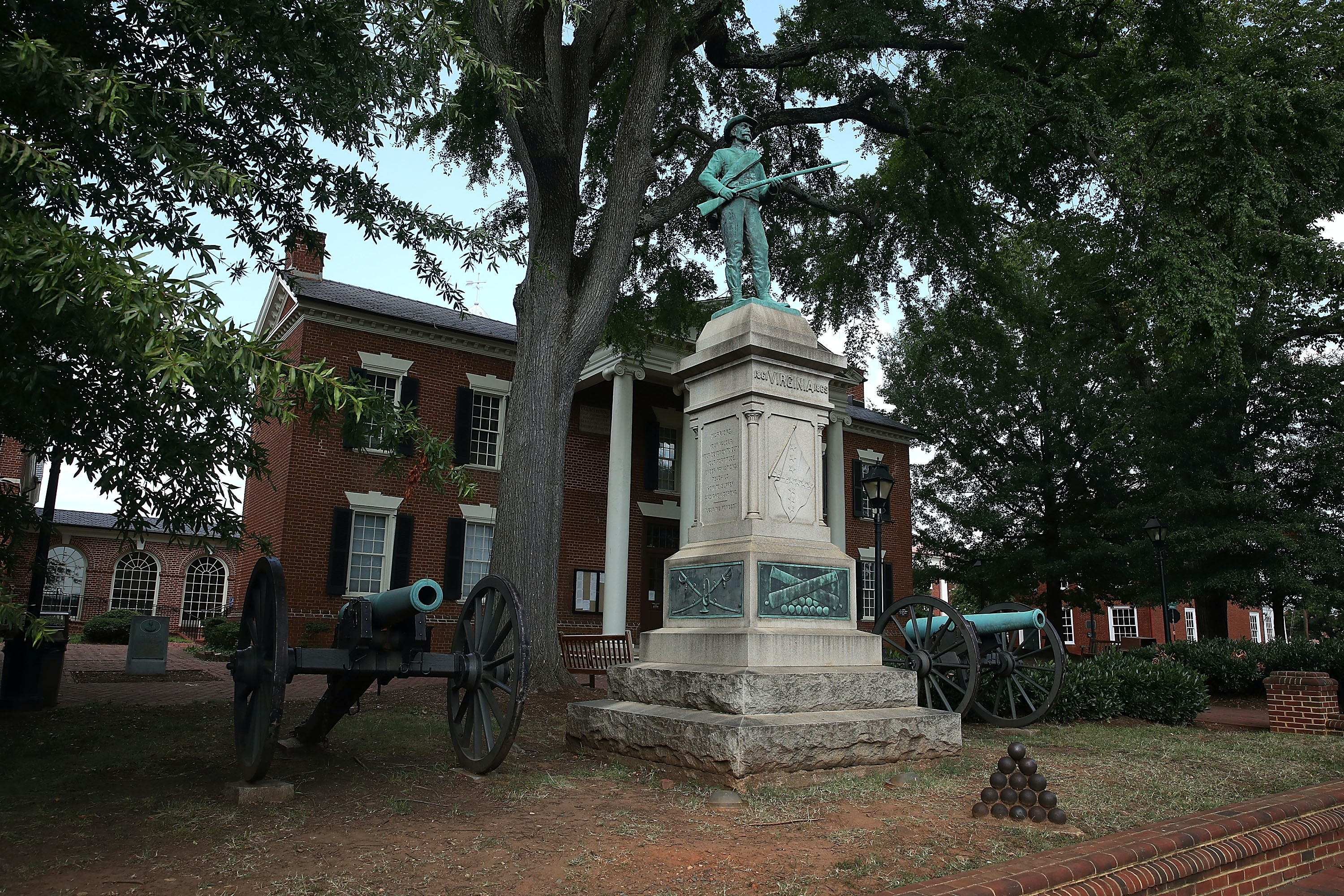Before charlottesville was in the spotlight police arrested their charlottesville va august 22 the statue of a confederate soldier and two civil rubansaba