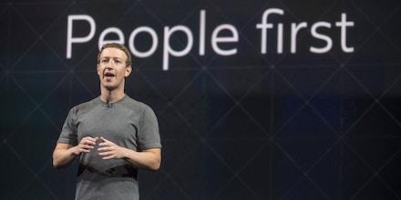 Mark Zuckerberg, presidente e fundador do Facebook, fala durante o evento Oculus connet 3 em San Jose, California, na quinta-feira, 6 de outubro de 2016.
