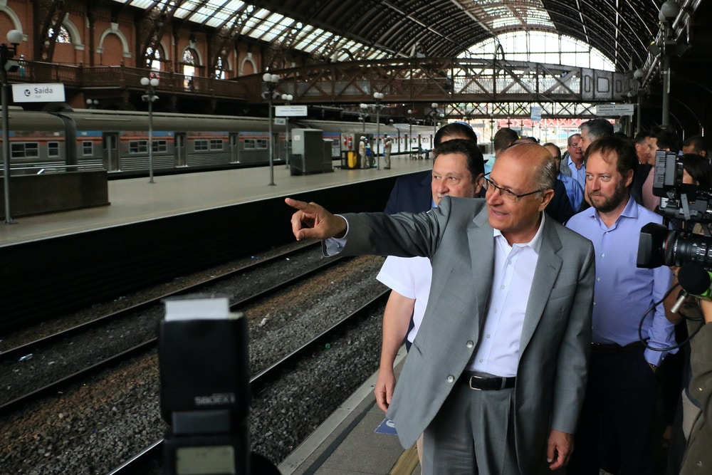 SÃO PAULO, SP - 17.10.2017: TRENS-SP - O governador de São Paulo, Geraldo Alckmin, faz a entrega de mais dois novos trens para a CPTM (Companhia Paulista de Trens Metropolitanos), para as linhas 7-Rubi e 11-Coral, na manhã desta terça-feira (17). (Foto: Charles Sholl/Raw Image/Folhapress)