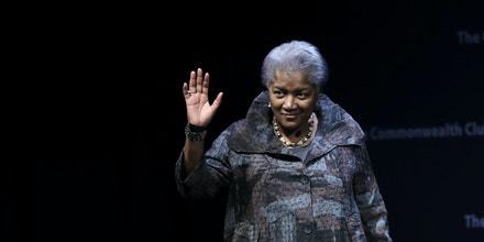 Former Democratic National Committee chair Donna Brazile is greeted by a crowd during a meeting of The Commonwealth Club Thursday, Nov. 9, 2017, in San Francisco. (AP Photo/Marcio Jose Sanchez)