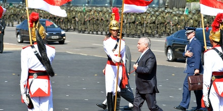 Presidente Michel Temer participa de cerimônia em homenagem ao Dia do Exército, em 19 de abril de 2017.