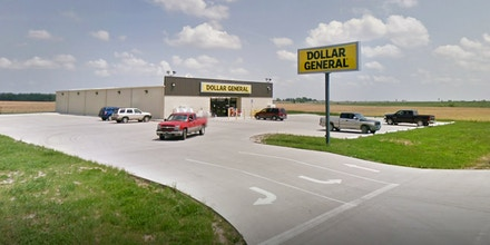 A screen shot from google maps of the Dollar General in Auxvasse, Missouri, the first Dollar General in the country to successfully vote to unionize.