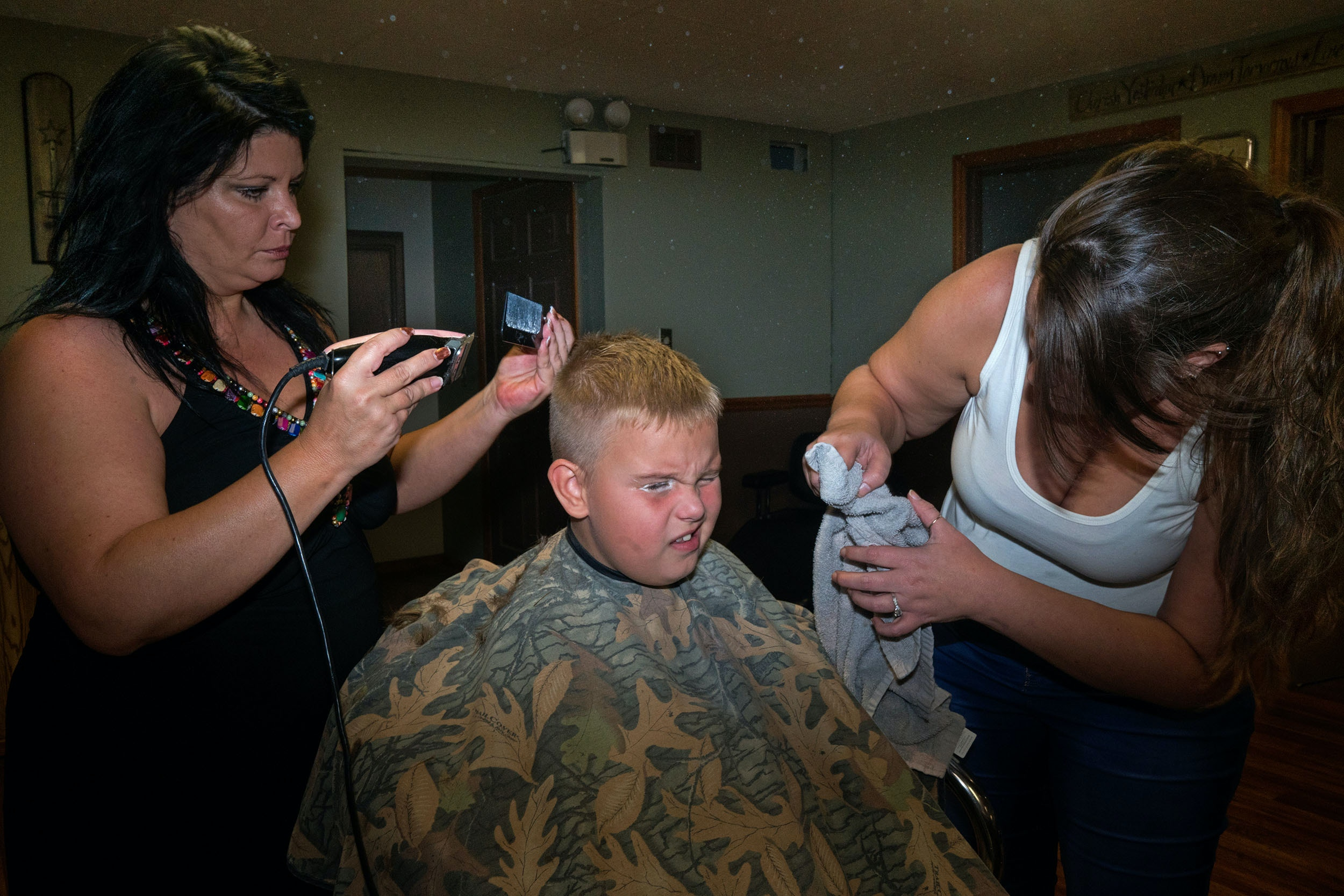 Wyatt gets a haircut for the first day of school.  Jamie's cousin is a hairdresser just across the river in Middleport, Ohio.