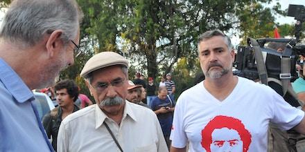 PORTO ALEGRE, RS - 22.01.2018: ENTRADA MST EM PORTO ALEGRE - O MST realizou na manhã desta  segunda-feira, 22,  uma marcha na ponte do Guaíba até o acampamento da Avenida Democracia, perto do TRF4 para manifestar a favor do presidente  Lula em seu julgamento, dia 24. Participaram marcha Olivio Dutra, João Pedro Stédile, Gleisi Hoffmann e outras autoridades do PT. (Foto: Omar de Oliveira /Fotoarena/Folhapress) ORG XMIT: 1465672