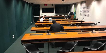 Reunião de Comissão de Combate à Violência contra Jovens da Câmara é cancelada por falta de quórum.