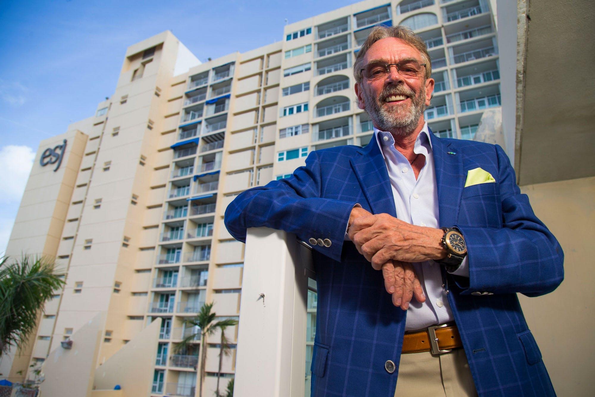 """San Juan , Enero 22 , 2018 - NEGOCIOS - FOTOS para ilustrar una historia sobre el inversionista Keith St. Clair , dueno del ESJ Tower , acerca de sus nuevos proyectos , con una inversion que sobre pasa los 200 millones . EN LA FOTO una vista de la remodelacion de los espacios del ESJ Tower en Isla Verde .FOTO POR: tonito.zayas@gfrmedia.comRamon """" Tonito """" Zayas / GFR Media"""
