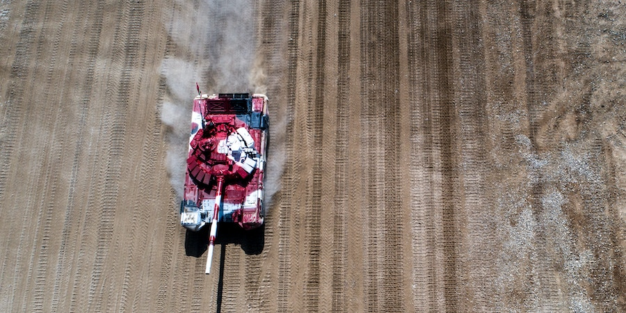 MOSCOW REGION, RUSSIA - AUGUST 10, 2017: Iran's T-72B3 tank competes in a relay race during the Tank Biathlon semifinal event as part of the 2017 International Army Games, at Alabino shooting range. Sergei Bobylev/TASS (Photo by Sergei BobylevTASS via Getty Images)