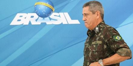Brasília - O Comandante Militar do Leste, General Braga Netto, durante entrevista coletiva sobre o decreto de intervenção no Estado do Rio de Janeiro (Marcelo Camargo/Agência Brasil)