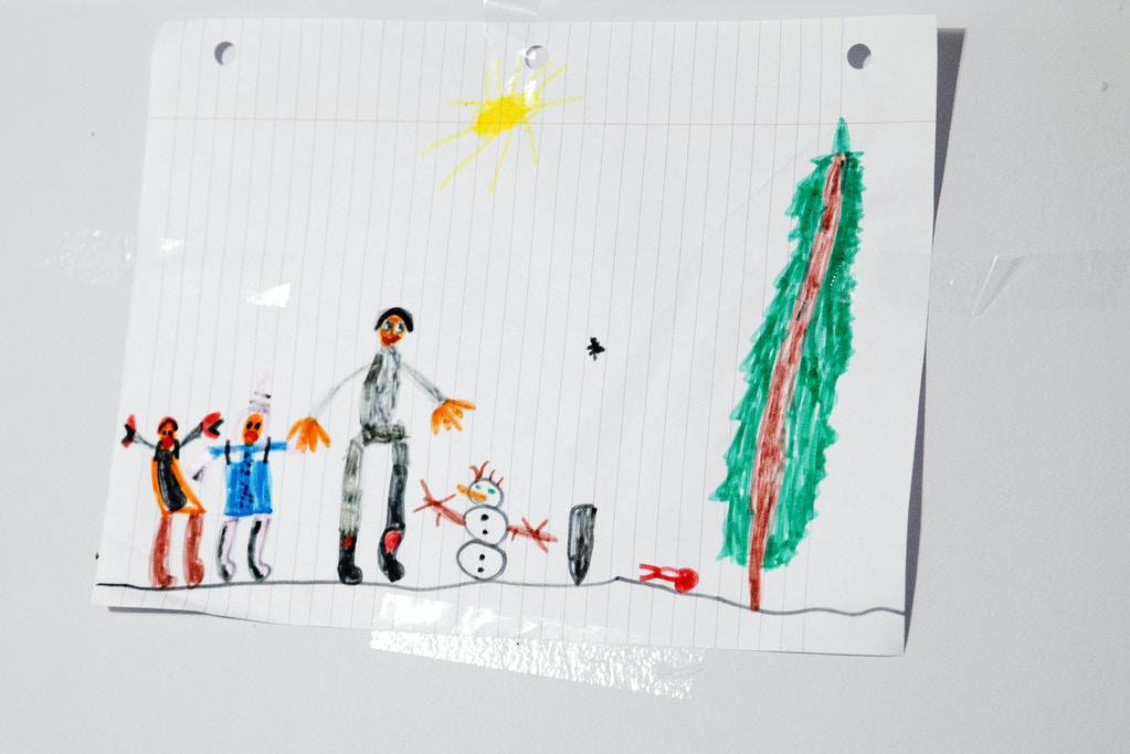 A drawing by Iraqi refugee Yousif al Shakarchi, 6, whose father, Safaa, was held for more than a year at an immigration detention center in Laredo, Texas, after filing for asylum.