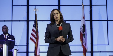 U.S. Sen. Kamala Harris, D-Calif., listens to a question from the audience during a town hall meeting, Thursday, April 5, 2018, in Sacramento, Calif. Harris discussed the shooting death of Stephon Clark on March 18 by two Sacramento police officers, saying that Clark should not have lost his life. (AP Photo/Rich Pedroncelli)