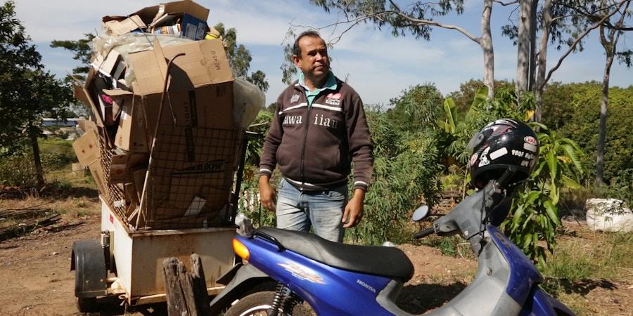 Ronaldo Pereira é professor de História e Sociologia da rede estadual de SP e cata lixo para complementar renda.