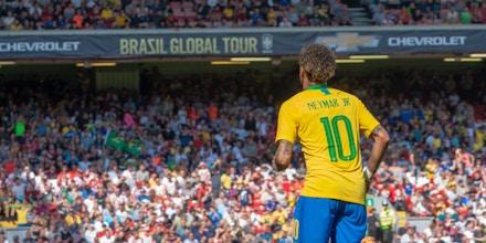 LIVERPOOL, REINO UNIDO, 03.06.2018 - BRASIL X CROÁCIA - Neymar comemora seu gol na partida amistosa entre Brasil x Croácia no estádio Anfield Road, em Liverpool, Reino Unido, em preparação para a Copa do Mundo 2018.  (Foto: Romena Fogliati/Folhapress)