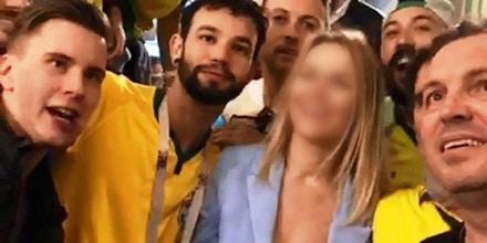Coelho, de camiseta preta à direita: