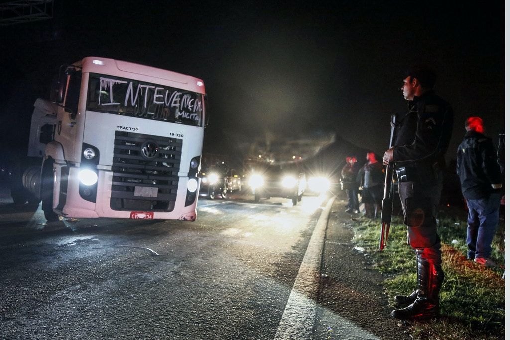 https://theintercept.imgix.net/wp-uploads/sites/1/2018/06/brazil-truckers-strike-military-intervention-1527886272.jpg?auto=compress%2Cformat&q=90&w=1024&h=683