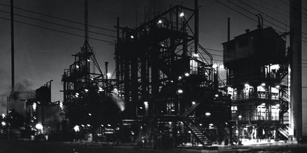 DuPont's 25 million pound 'Hylene' organic, isocyanates plant at the Chambers Works in Deepwater Point, New Jersey. Photograph taken circa 1959.