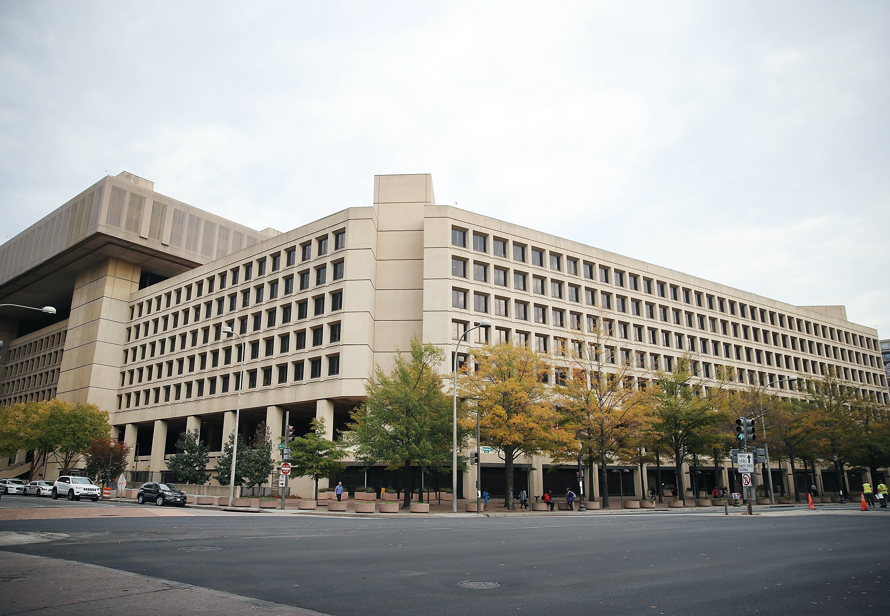 WASHINGTON, DC - NOVEMBER 03: The FBI building is shown on November 3, 2016 in Washington, DC. Last week FBI Director James Comey announced that the bureau is investigating newly discovered messages related to Hillary Clinton's use of a private email server.   (Photo by Mark Wilson/Getty Images)