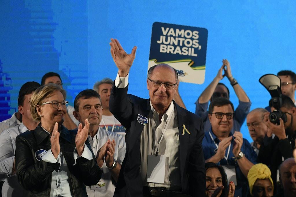 Convenção Nacional do PSDB lança Geraldo Alckmin como candidato a presidente nas eleições de 2018. A senadora Ana Amélia (PP-RS) será candidata a vice-presidente.