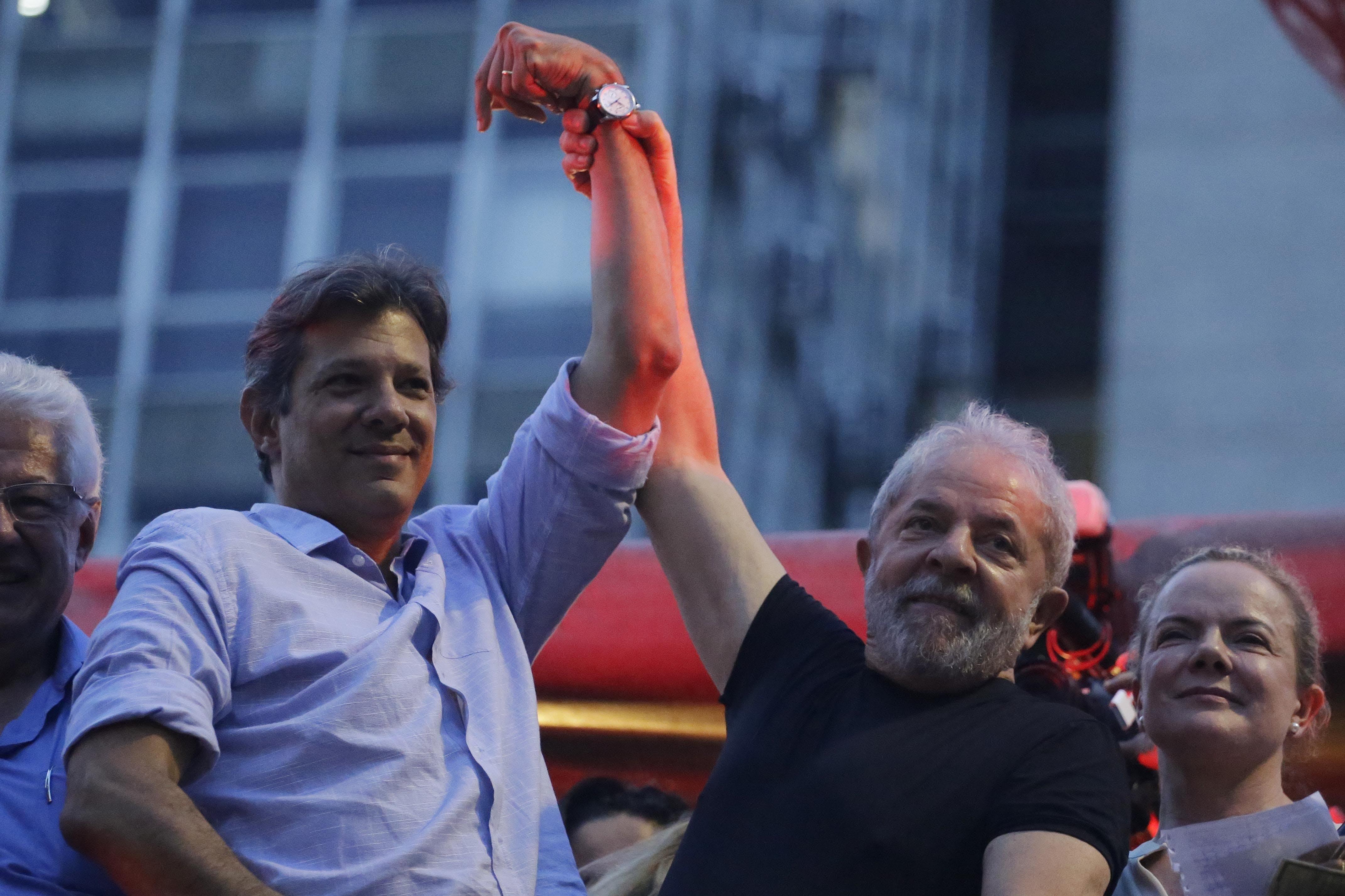Resultado de imagem para PT quer derrotar Bolsonaro no tapetão