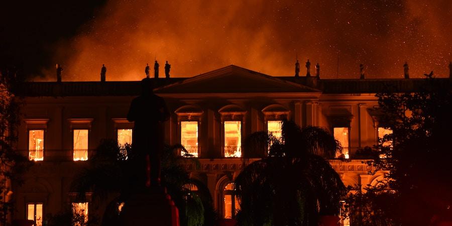 Incêndio destrói Museu Nacional do Rio domingo, 2 de setembro.