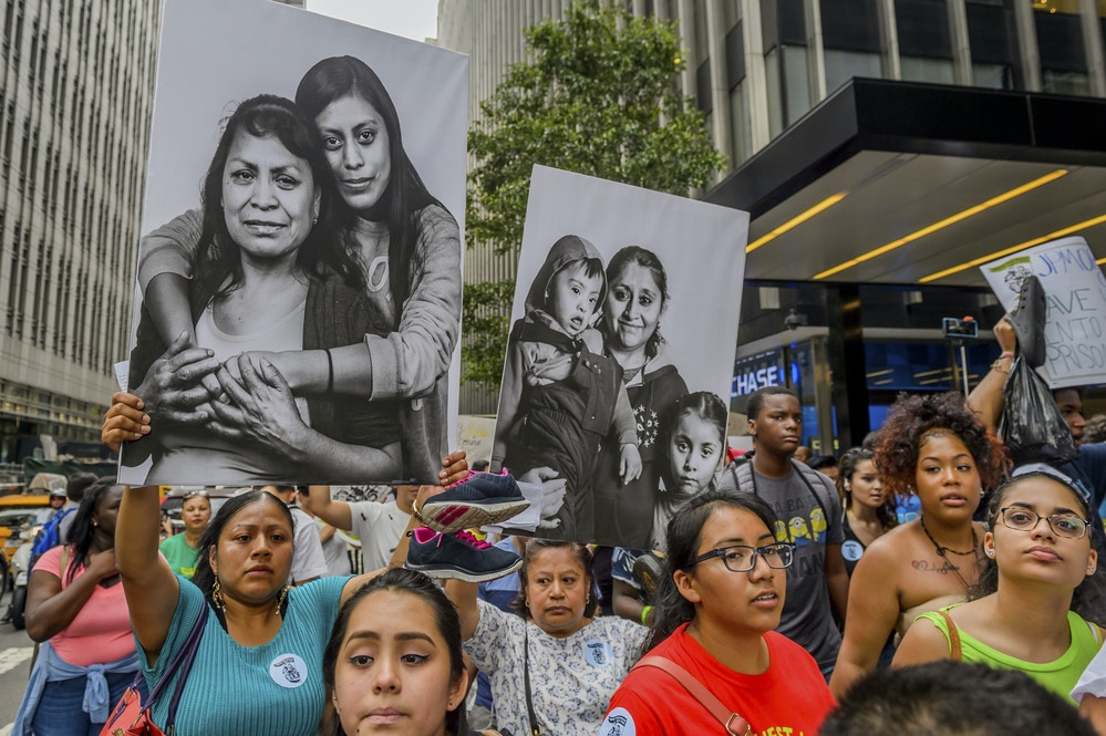 Hundreds of immigrants and allies protested outside JPMorgan Chase offices on August 2, 2017, calling on its complicity in Trump's anti-immigrant agenda in New York City, N.Y. Photo: Erik McGregor/Sipa/AP
