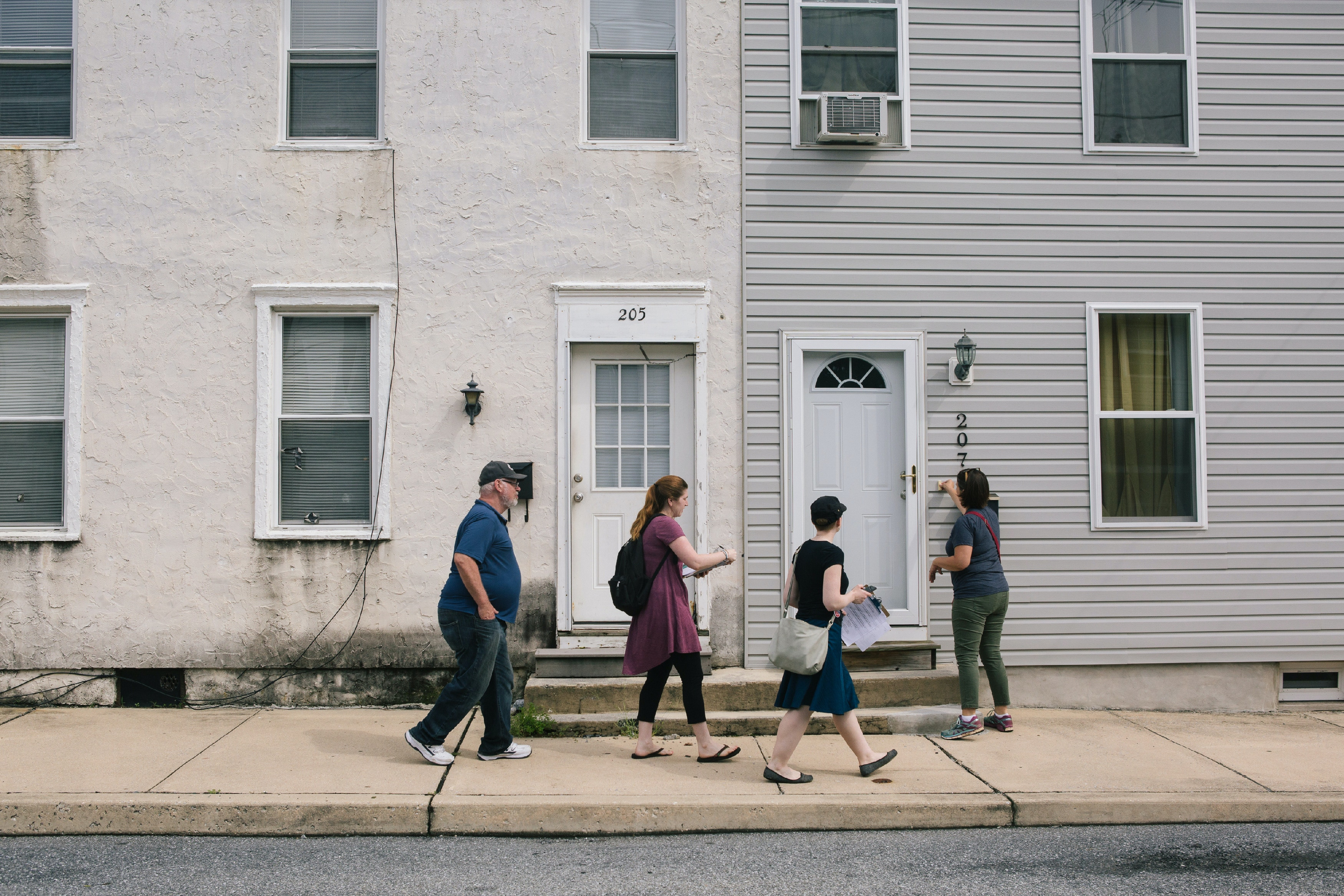 Jess King (far right), a first-time Congressional candidate, canvasses with campaign volunteers in Mount Joy, Pennsylvania on Saturday, August 18, 2018. King, who lives in nearby Lancaster, is running for Congress in Pennsylvania's 11th District.(Michelle Gustafson for The Intercept)