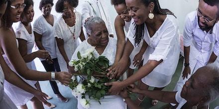 Homenagem da família da colunista a sua tia-avó, dona Nunu, a única remanescente da linha de mulheres que por seis gerações criou a todos os filhos e netos sozinhas.