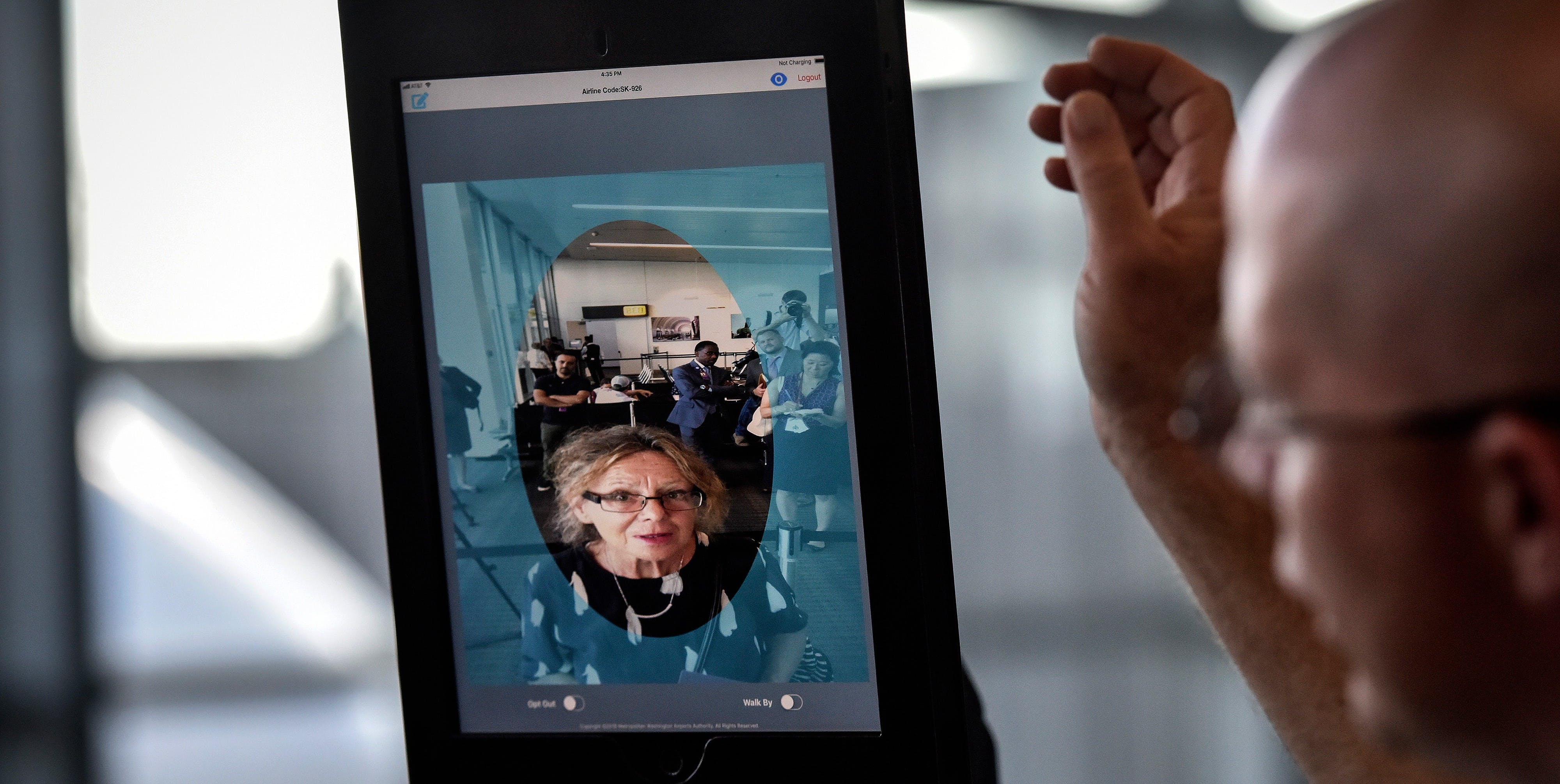 The Government Wants Airlines to Delay Your Flight So They Can Scan Your Face
