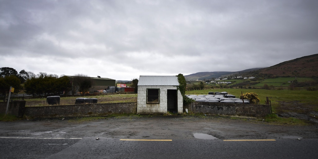 NEWRY, NORTHERN IRELAND - MARCH 29: A former customs guard hut directly situated on the north south Irish border stands disused as Brexit is triggered on March 29, 2017 in Newry, Northern Ireland. The northern Irish border is the United Kingdom's only land border with the rest of Europe. British Prime Minister Theresa May will address the Houses of Parliament later today as Article 50 is triggered and the process that will take Britain out of the European Union will begin. (Photo by Charles McQuillan/Getty Images)